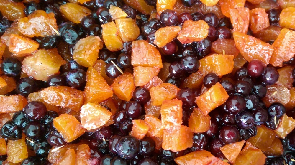 Lightly mashed blueberries with apricots.