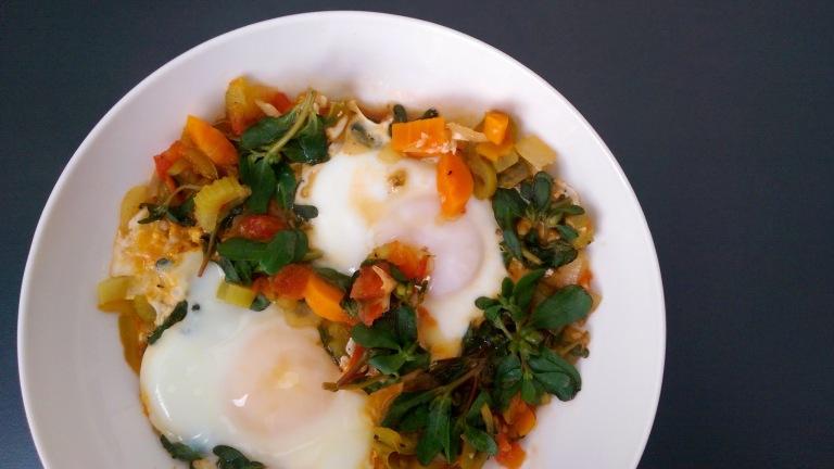 sofrito_eggs_poached